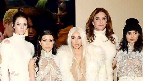 kardashian-jenners-zoom-156a4a3d-eb28-466a-9c03-d9ad8ec2d946.jpg